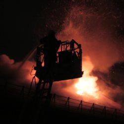 firefighter-773618_1920